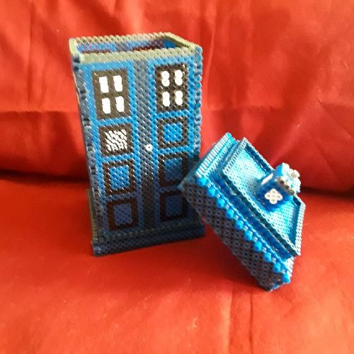 PRL: 3D TARDIS POLICE BOX (NEW)